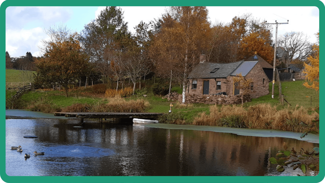 Unique glamping cottage on lochan shore